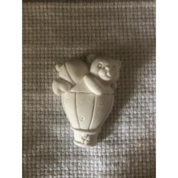Orsetto su mongolfiera gesso ceramico profumato