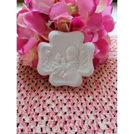 Bimba che prega Prima Comunione su medaglione in gesso ceramico profumato