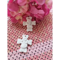 Croce stilizzata Sacra Famiglia in gesso ceramico profumato