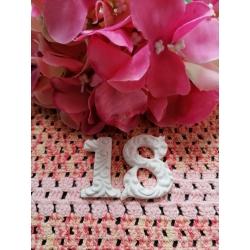 Numero 18 in gesso ceramico profumato