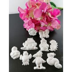 Animaletti in gesso ceramico profumato : farfalla , margherita , rana , uccellino , pererino, riccio , serpente