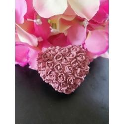 Cuore colorato con roselline a rilievo in gesso ceramico profumato