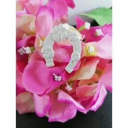 Ferro di cavallo con ricami e fiori in gesso ceramico profumato