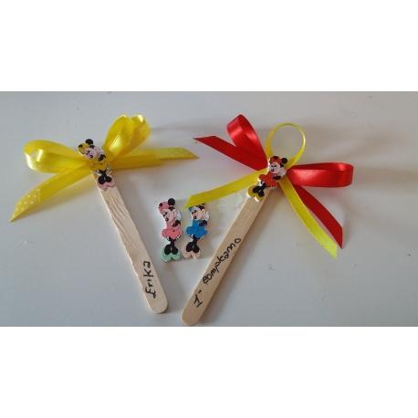 Segnaposto bottoncini Minnie in legno su astine